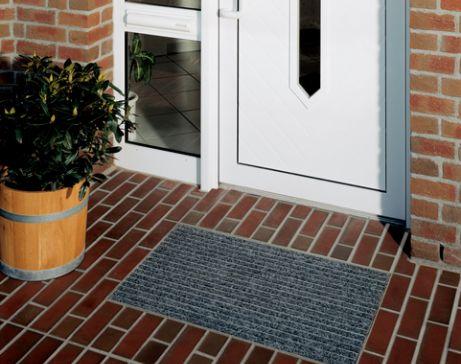 tappeti, tappeto tecnico, alluminio, zerbini personalizzati, zerbino, passatoia, zerbini da esterno, tappeti cucina, zerbini su misura, asciugapasso